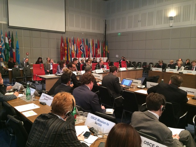 Juan Mendez, FNs spesialrapportør mot torturholder et innleggunder OSSE-møtet.